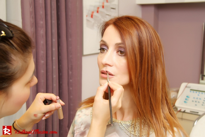 Redhead Illusion - Makeup time - Jane Iredale-07