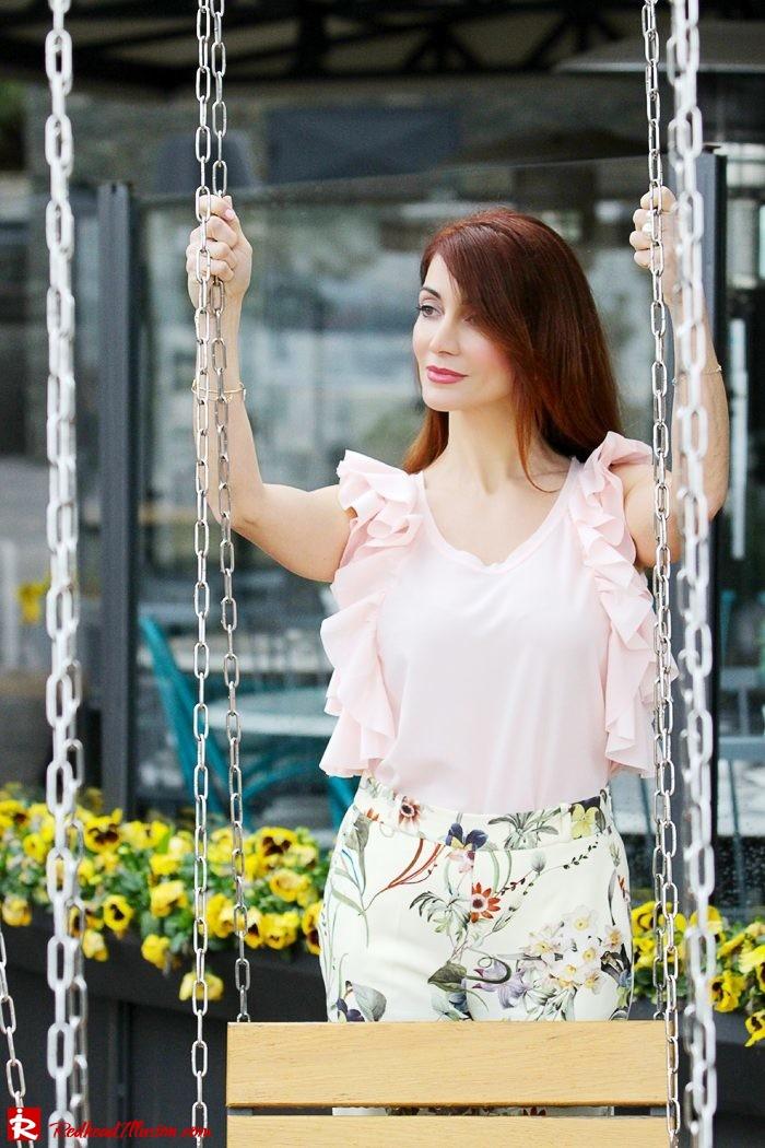 Redhead Illusion - Fashion Blog by Menia - Flower Power - Denny Rose Ruffle Top with Zara Pants-03
