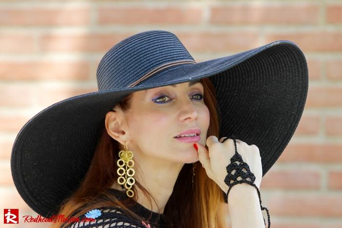 Redhead Illusion - Fashion Blog by Menia - Black Magic - Knitted Jumpsuit - Denny Rose Poncho-05