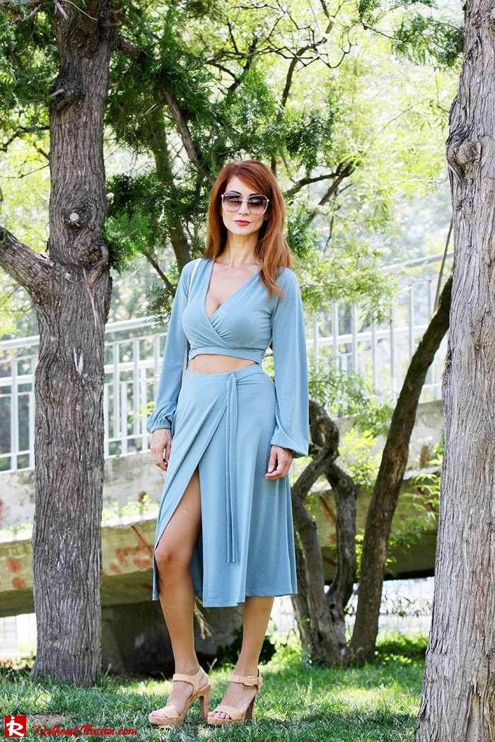 Redhead Illusion - Fashion Blog by Menia - Contrasts - Asos Dress - Gucci Sunglasses-08