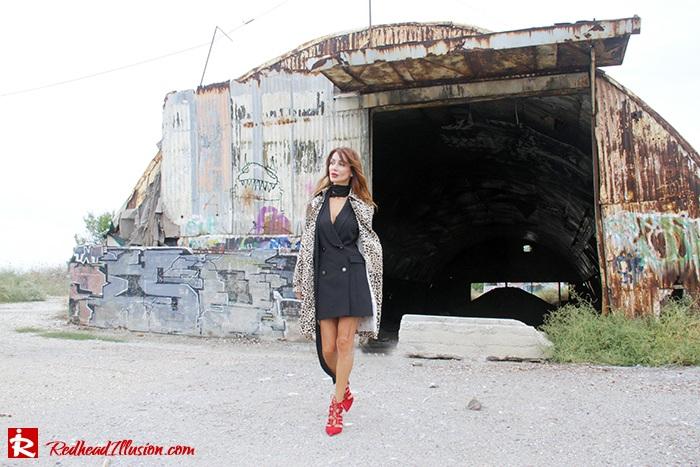 redhead-illusion-fashion-blog-by-menia-simply-black-access-dress-klink-trenchcoat-13