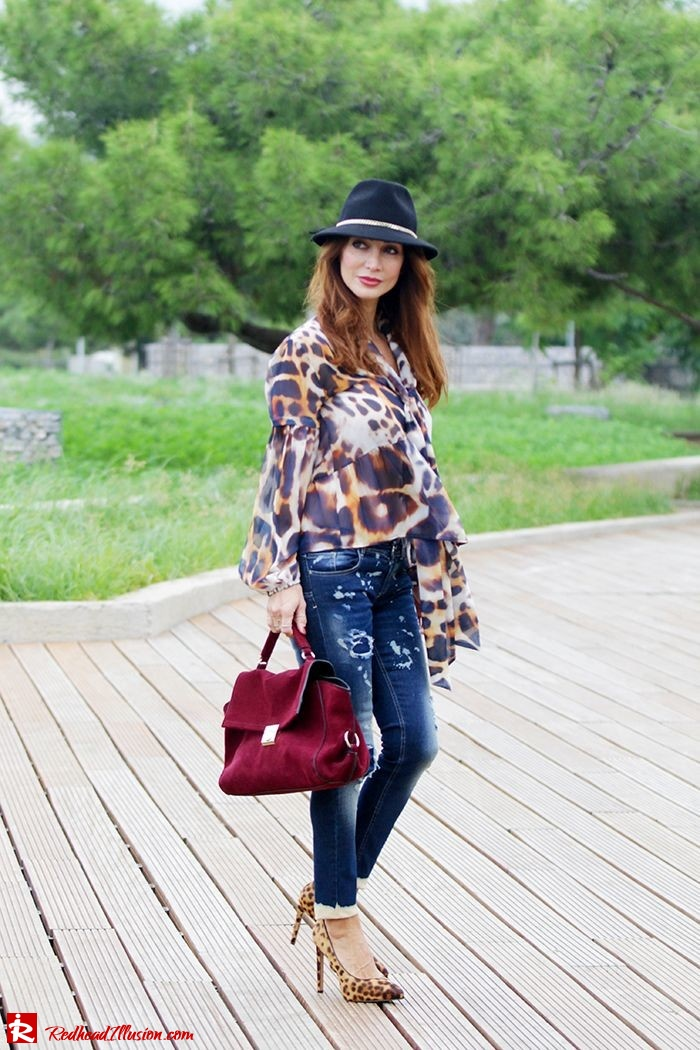 Redhead Illusion - Fashion Blog by Menia - Wild thing - Denny Rose Shirt - Massimo Dutti Hat-02