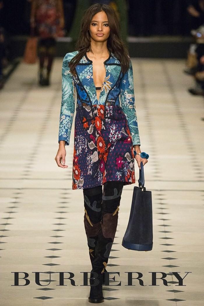 Redhead Illusion - Fashion Blog - Fashion Show - Burberry - Fall-Winter-2015-02
