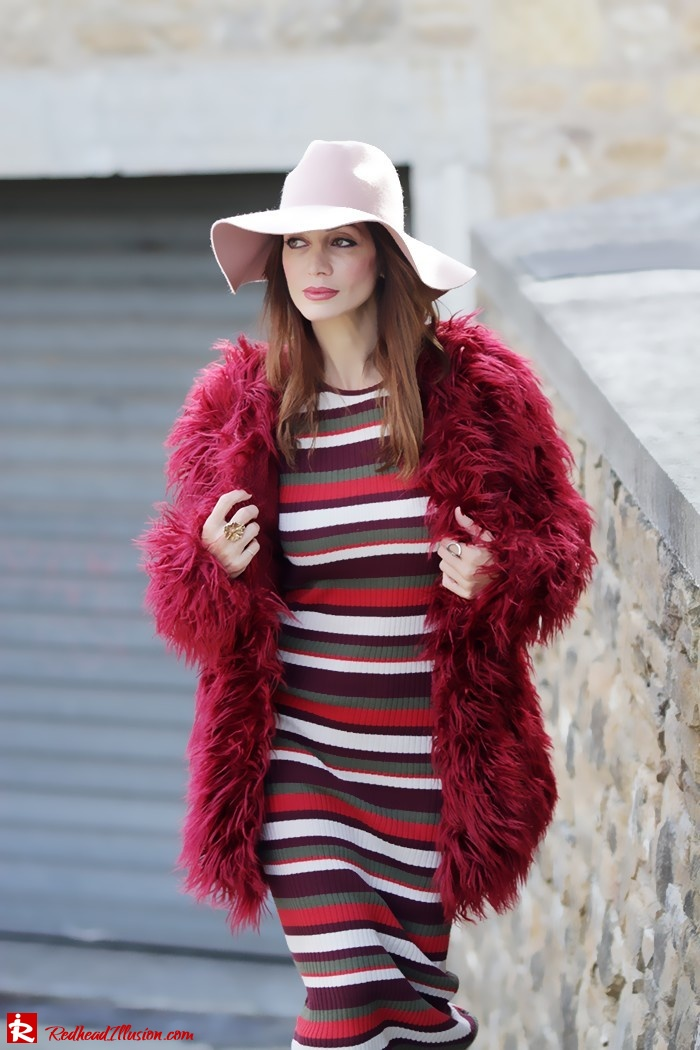 Redhead Illusion - Fashion Blog by Menia - Long 70's Story - Denny Rose Ribbed Striped Dress - Zara Hat-02