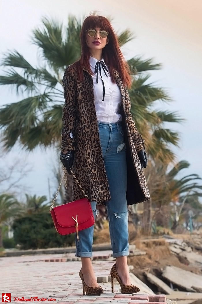 Redhead Illusion - Fashion Blog by Menia - Destroyed Jeans - Abercrombie and Fitch-02