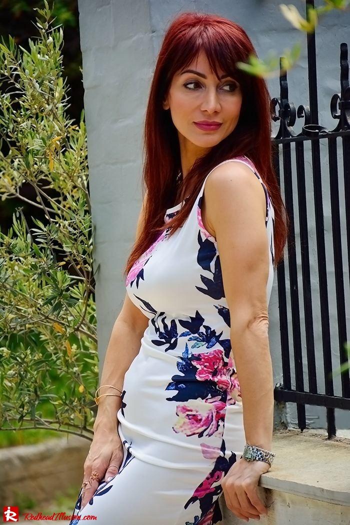 Redhead Illusion - Fashion Blog by Menia - Flower Explosion - Dresslink Sleeveles Floral Dress-02