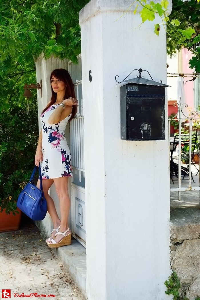 Redhead Illusion - Fashion Blog by Menia - Flower Explosion - Dresslink Sleeveles Floral Dress-07