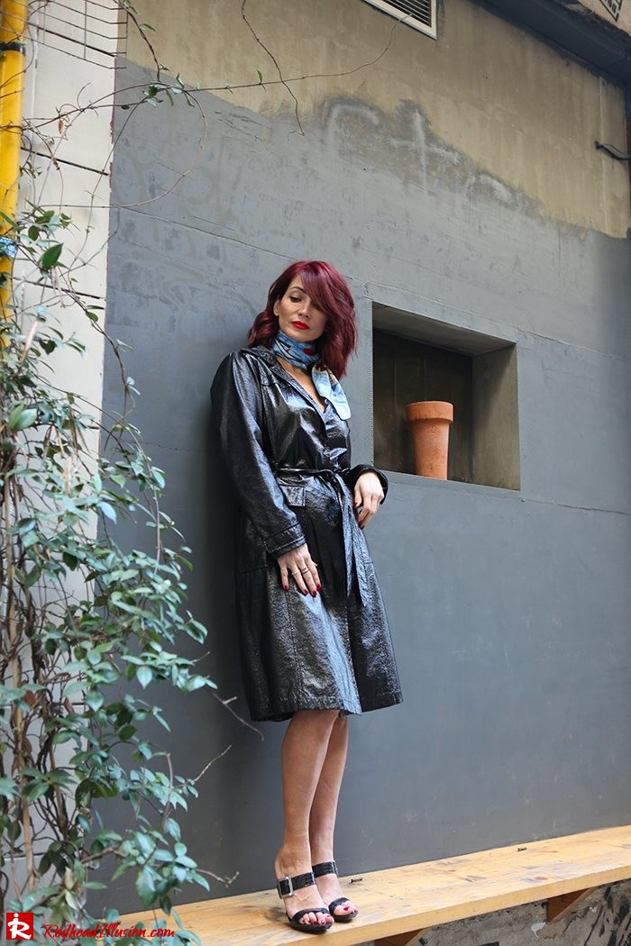 Redhead Illusion - Fashion Blog by Menia - Inspirations - Patent Trench Coat and mules-02