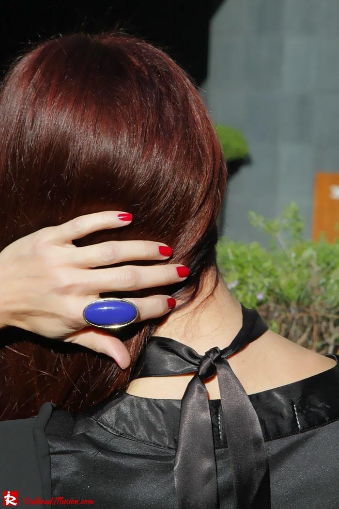 Redhead Illusion - Fashion Blog by Menia - Bell Sleeve Dress - Yoins LBD Mini Black Dress-06