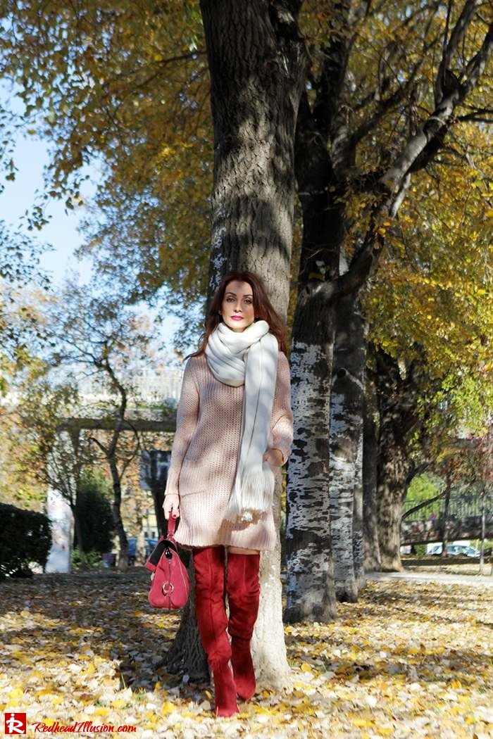Redhead Illusion - Fashion Blog by Menia - Cozy and Casual - Knitted Dress - High Boots-05
