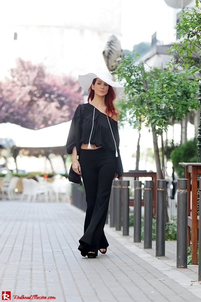 Redhead Illusion - Fashion Blog by Menia - Hippie Shake - 70's Style - Bell Trousers - Floppy Hat-04