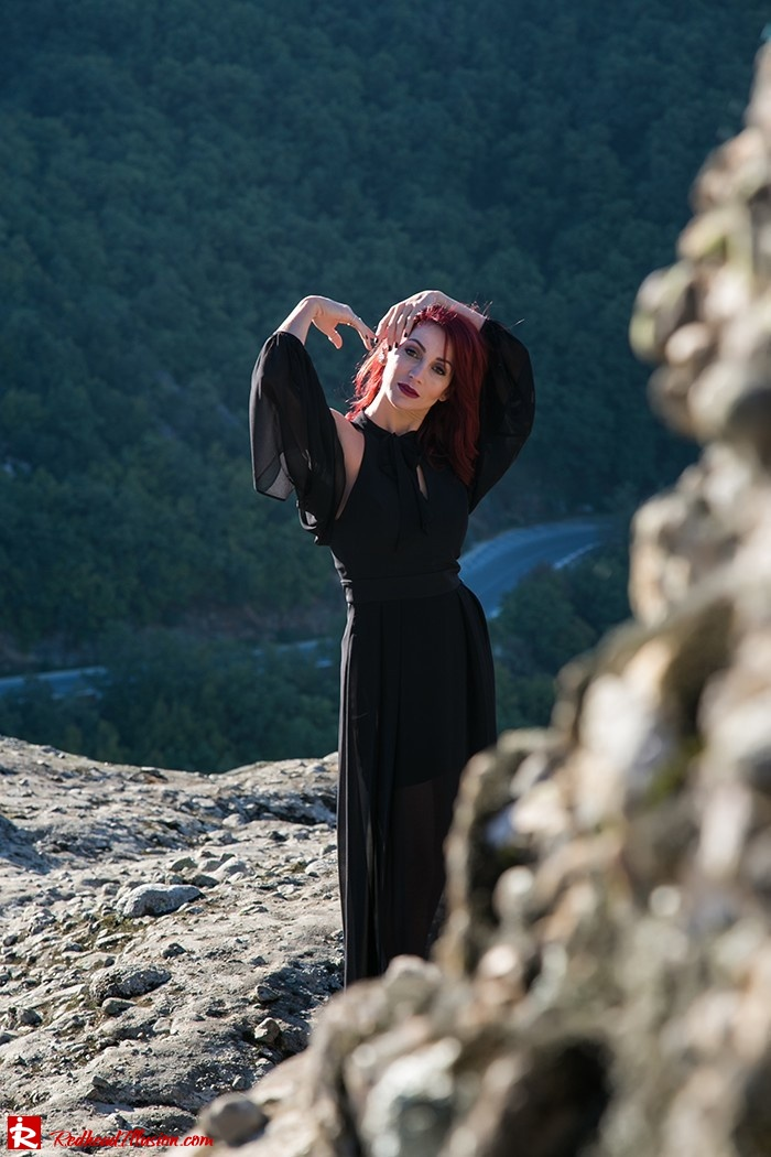 Redhead Illusion - Fashion Blog by Menia - Suspended in Space - Toi-Moi - Maxi Dress-13