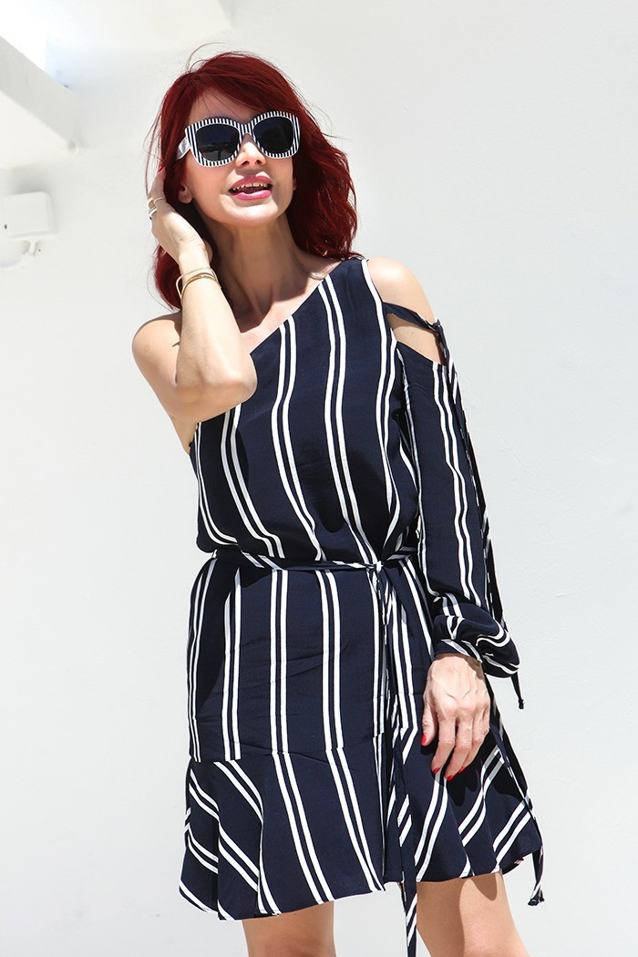 Redhead Illusion - Fashion Blog by Menia - Lately - Jul-06-stripe-tease-zara-dress-08